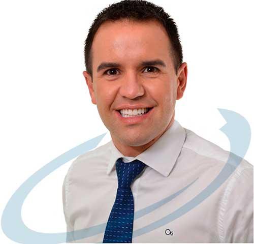 Foto de Thiago Linhares Coach sorrindo - Linhares trabalha com técnicas de Coaching Esportivo